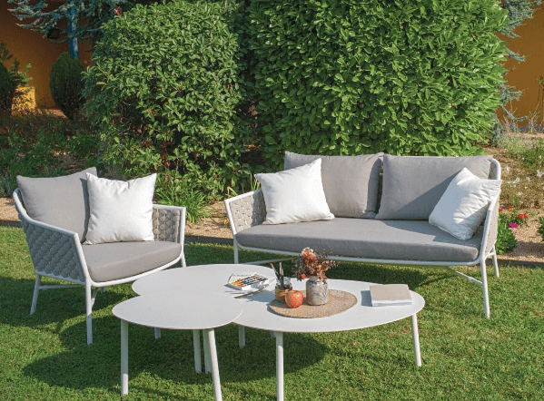 How to Clean Outdoor Furniture Cushions?